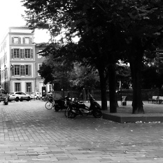 Partir dessiner... Place St Sernin Toulouse